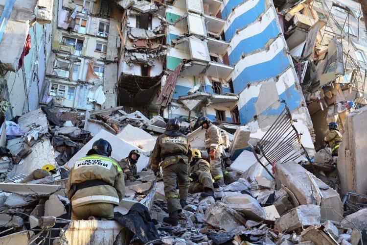 Под завалами в Магнитогорске найдены тела еще трех погибших