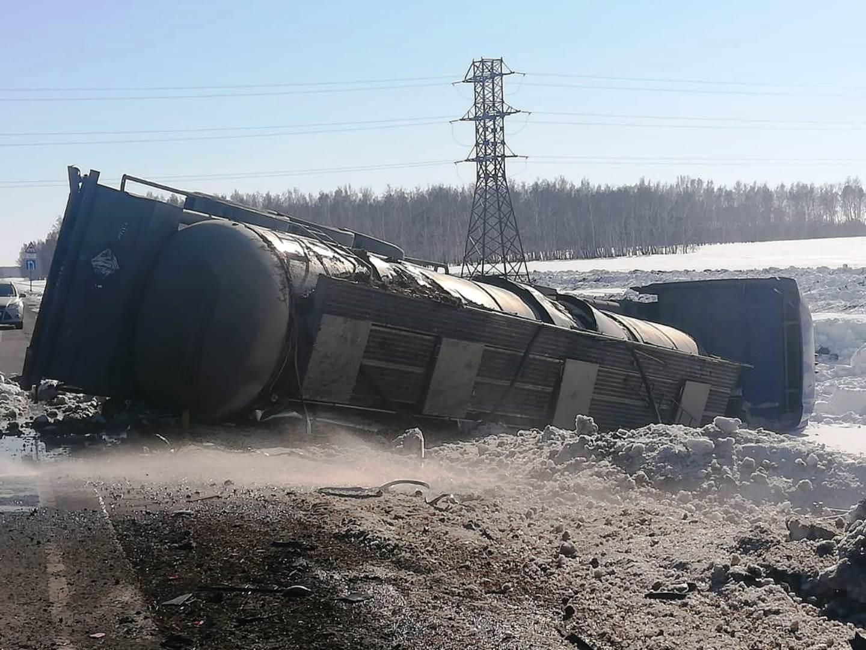 В ДТП в Стародубском районе пострадал водитель «КАМАЗа»