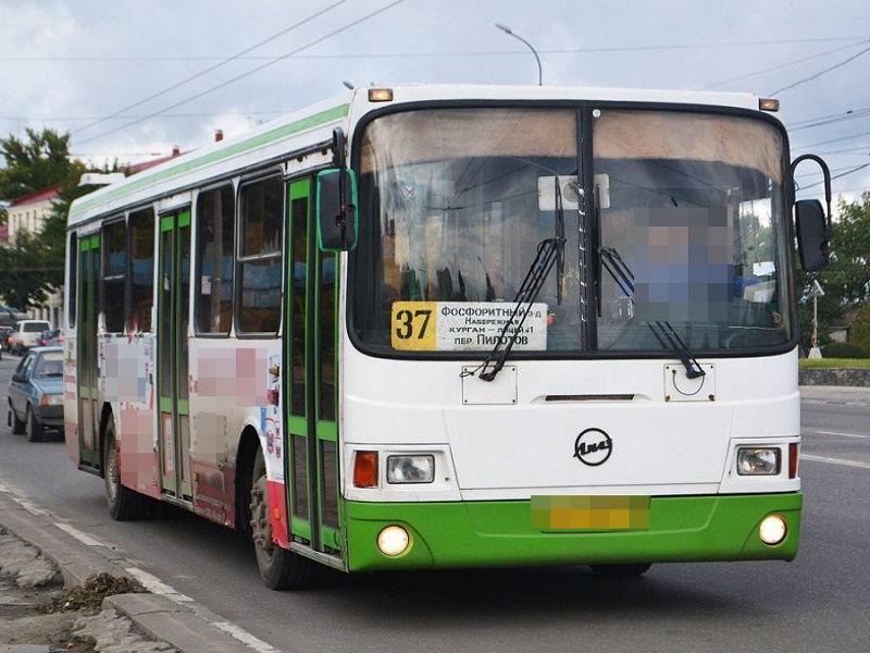 Водитель автобуса №37 шокировал своим поведением жителей Брянска
