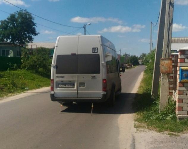 Водитель брянской маршрутки не выпускал пассажира из салона до конечной