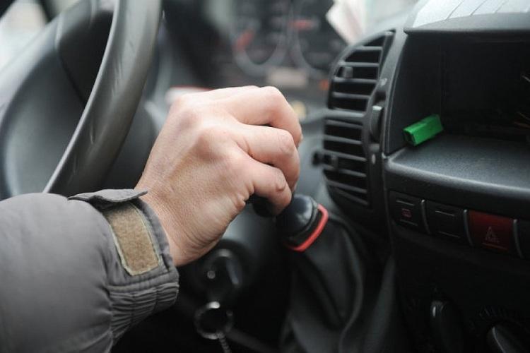 В Брянске водитель маршрутки наорал на девушку с ребенком