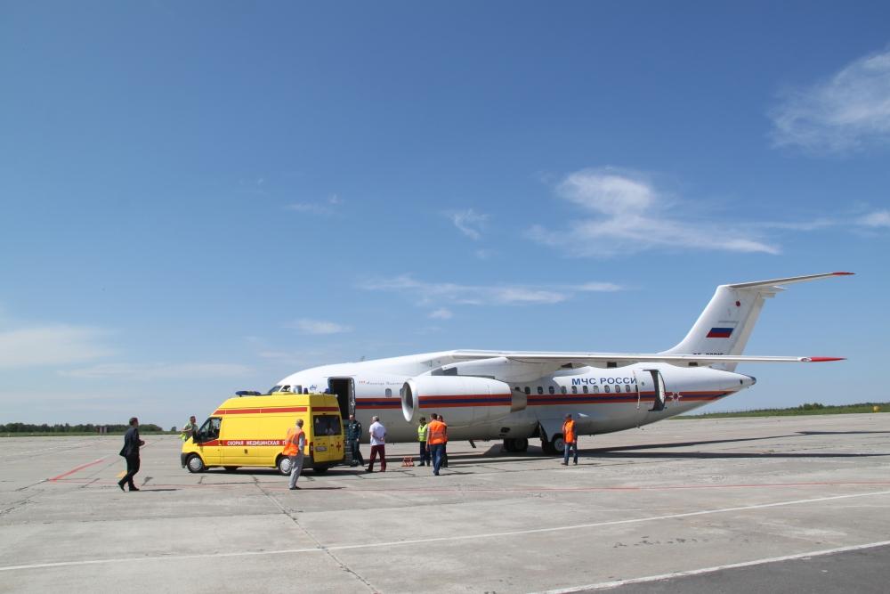 Вылет самолета из Санкт-Петербурга в Брянск задержали из-за угрозы взрывов