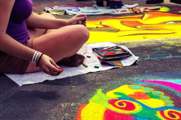 В Брянске пройдет бесплатный мастер-класс по рисованию цветными мелками