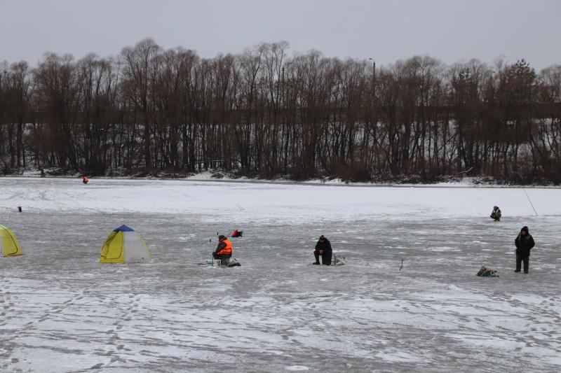 В Брянске состоялся рейд по соблюдению правил поведения любителями зимней рыбалки