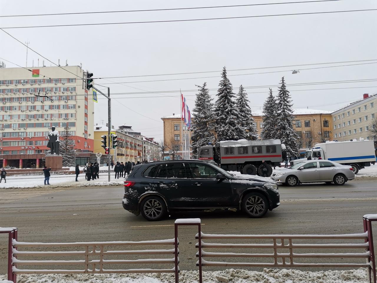 Участников акции протеста в Брянске ждут ОМОН и автозаки