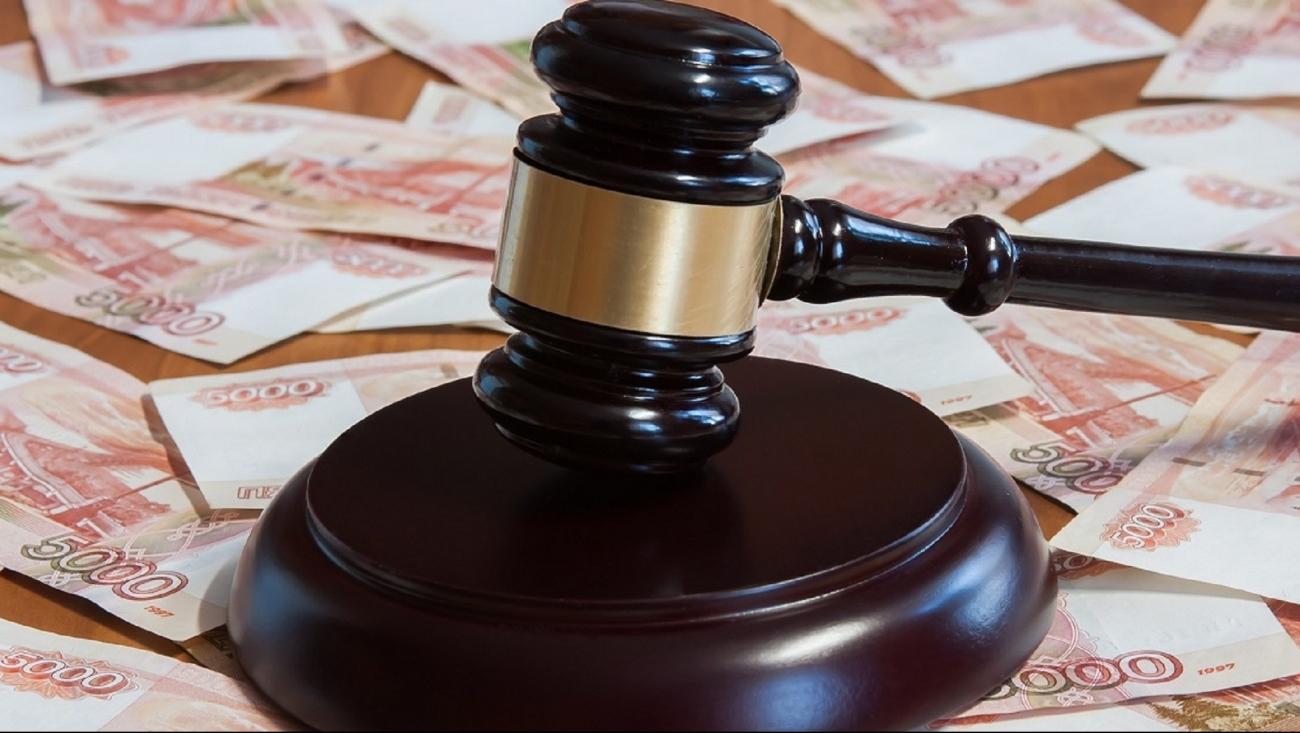 Стоматолог из Людиново выплатил жительнице Брянска 165 тысяч рублей