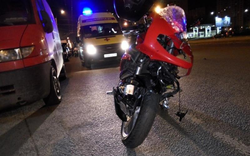 В Белых Берегах мотоциклист покалечил 15-летнего мальчика