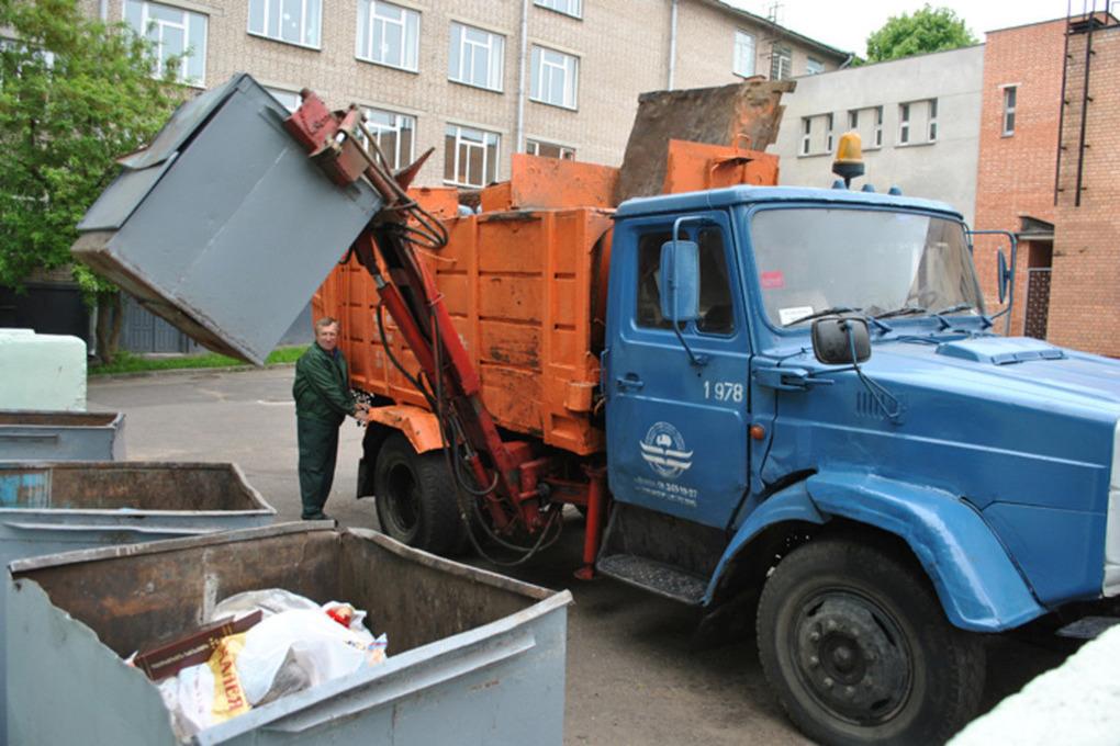 В Брянске предложили депутаты отменить плату за вывоз мусора из необитаемых квартир