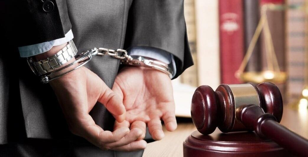 В Брянске женщина-адвокат обманула подзащитную на 15 тысяч рублей