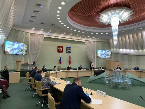 Брянских ученых в День российской науки наградили почетными грамотами