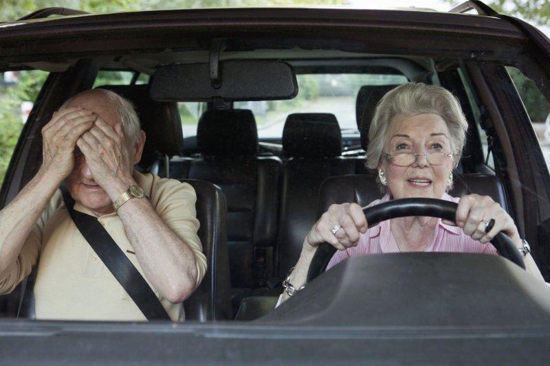 Под Навлей 60-летняя автоледи устроила ДТП: есть пострадавшие