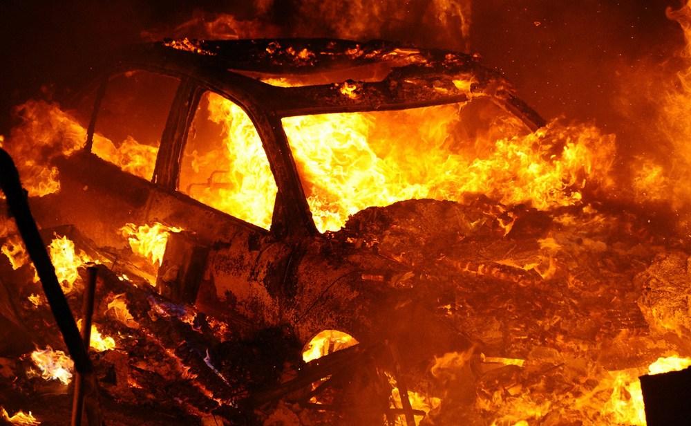 В Суражском районе ночью сгорел легковой автомобиль