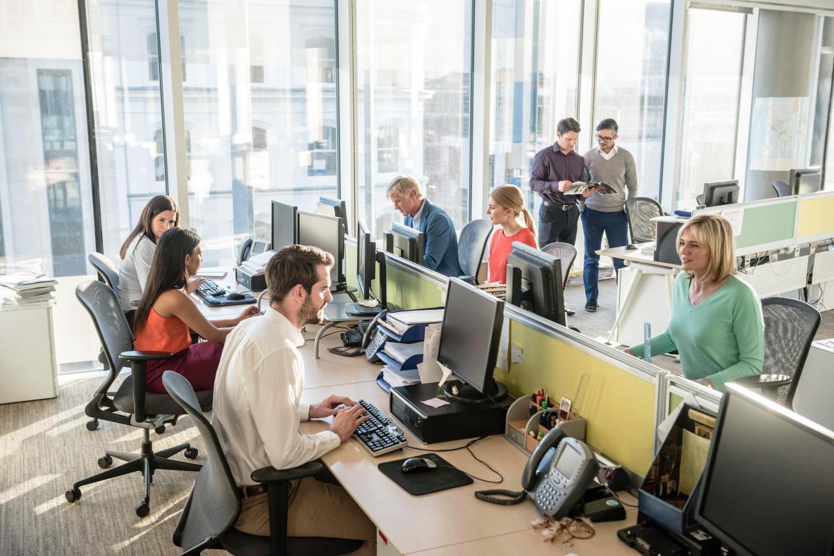 Брянцы, работающие в офисах, стали чаще болеть коронавирусом