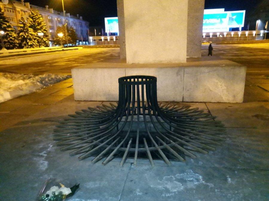 В Брянске на площади Партизан погас Вечный огонь