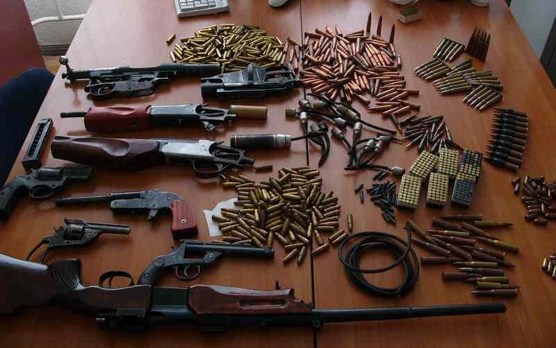 Трое брянцев ответили перед судом за незаконный оборот оружия