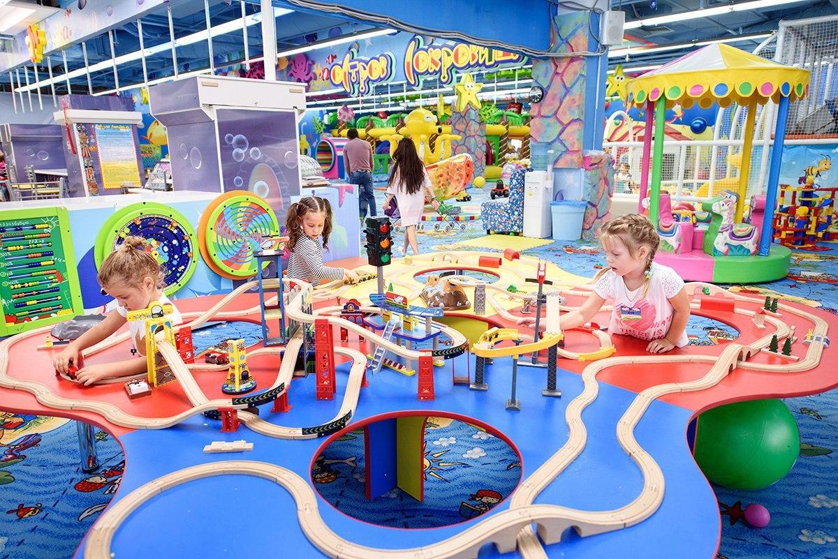 В Брянской области возобновили работу детских развлекательных центров
