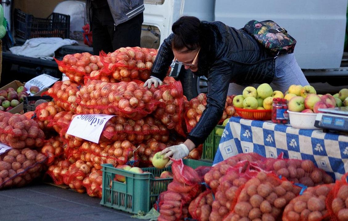 В Брянске на Володарском рынке торговцев хотят перевести в павильон