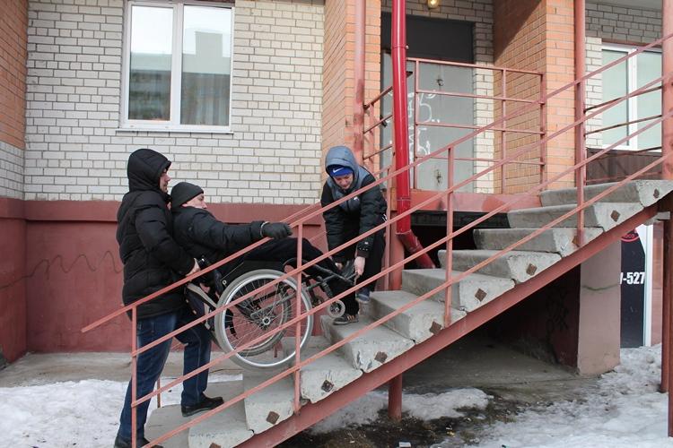 В Сураже инвалиды не могут попасть в аптеку