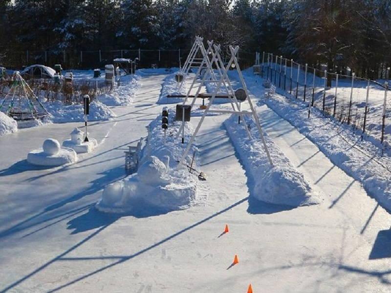 Самый большой каток Брянска начал работать 5 января в парке «Лапландия»