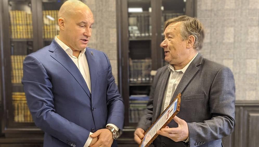В Брянске презентовали сборник рассказов Николая Патова «Золотые зерна»