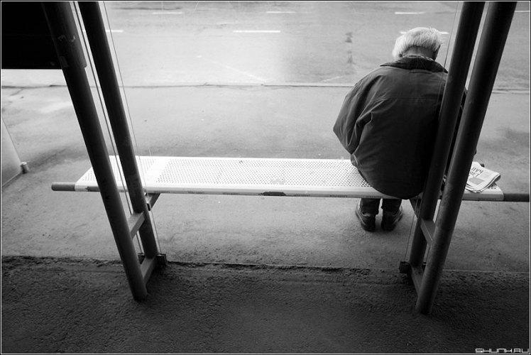 В Брянске водитель маршрутки не пустил в салон беспомощного старика