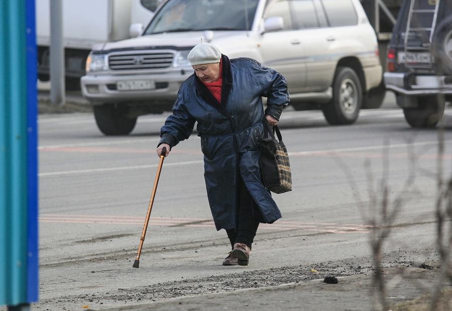 В Брянске на Молодой Гвардии водитель иномарки сбил пенсионерку