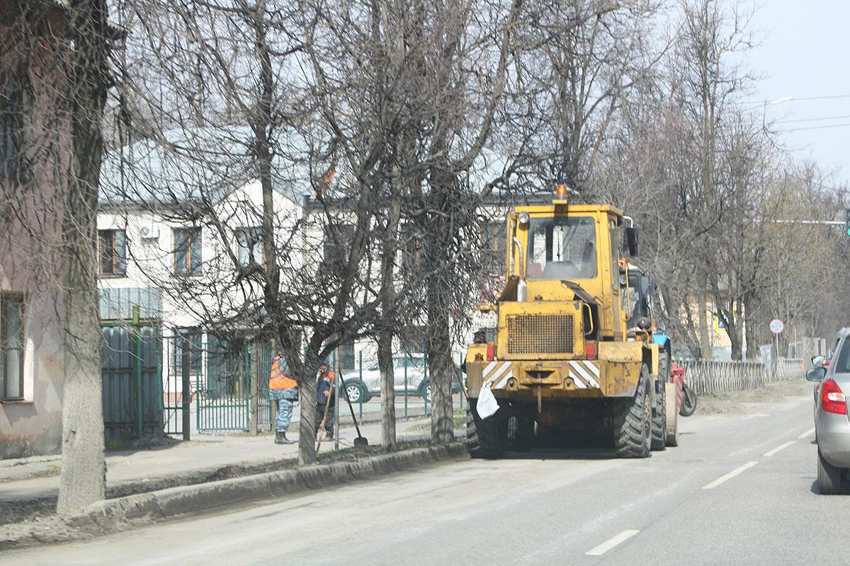 С улиц Брянска убрали 18 тысяч тонн песка