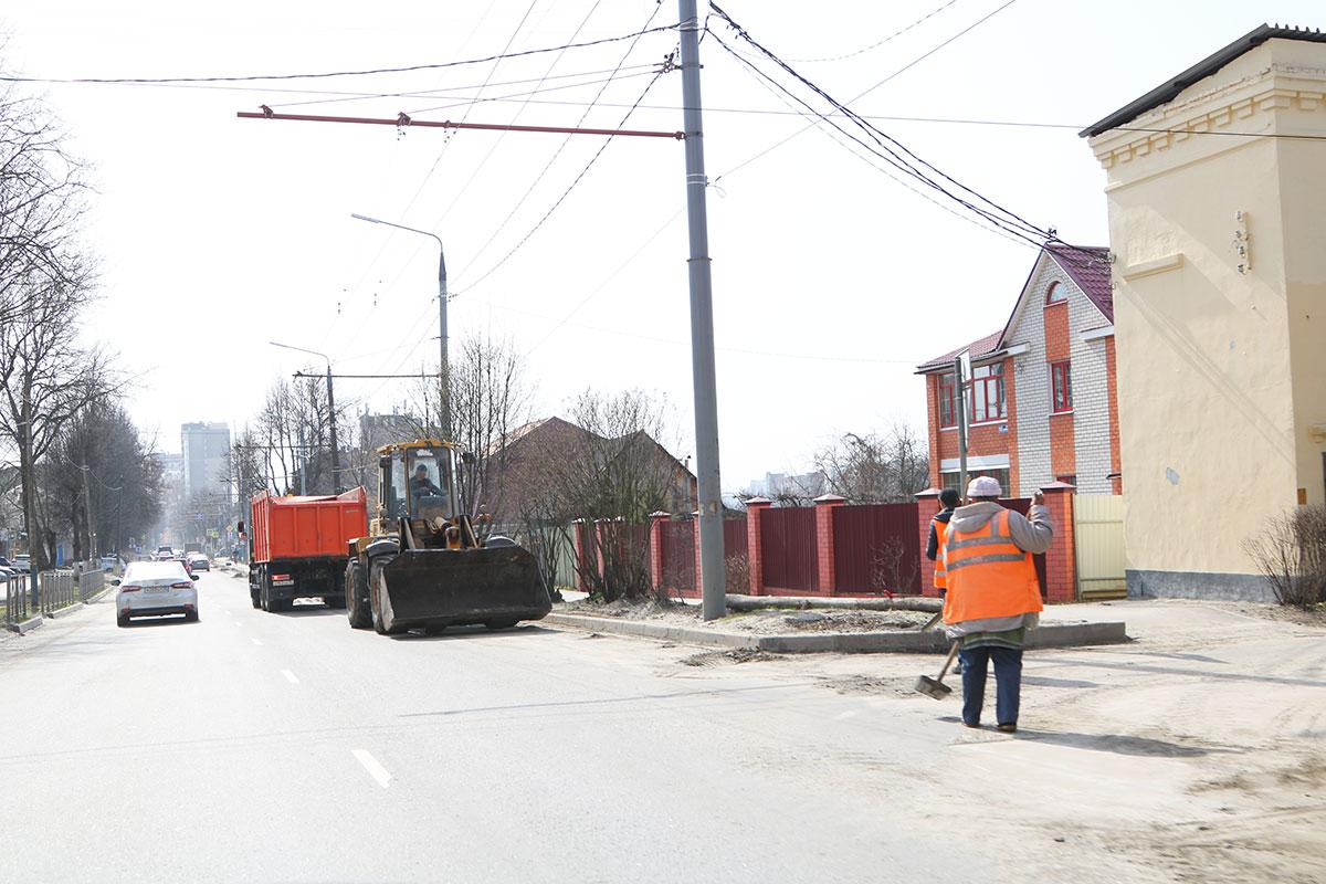 С брянских улиц вывезли более 18 тысяч тонн песка