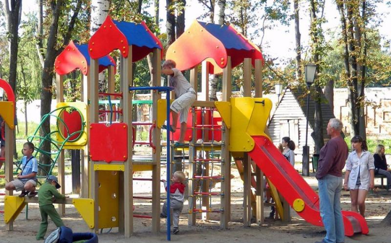 В Почепском районе появятся новые детские площадки
