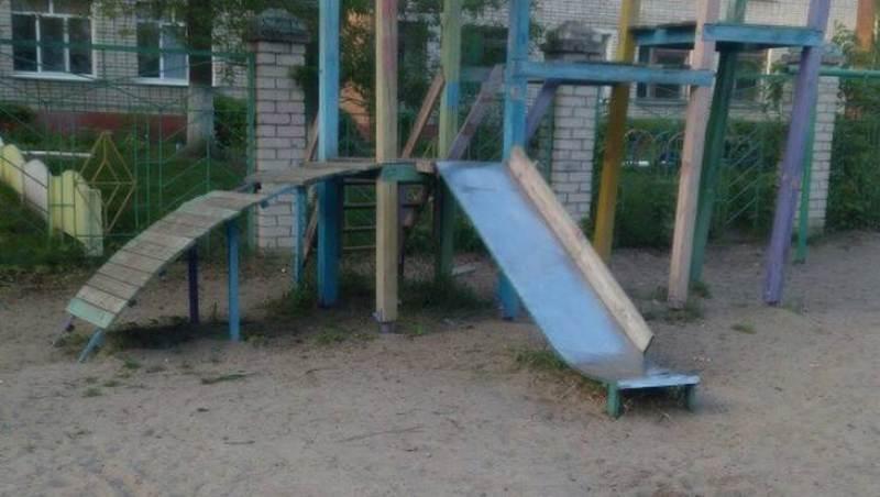 Жителям Володарского района страшно водить детей на детскую площадку
