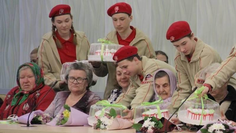 В Брянске увеличится пособие матерям и вдовам погибших Героев