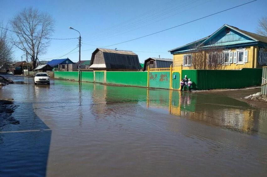 Из-за паводка в Брянской области затопило дорогу
