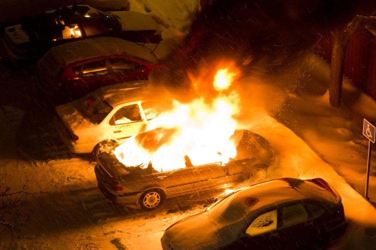 ВКлинцовском районе загорелась легковушка