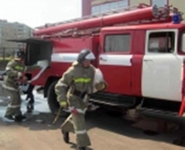 В Злынковском районе спасатели около часа тушили дом