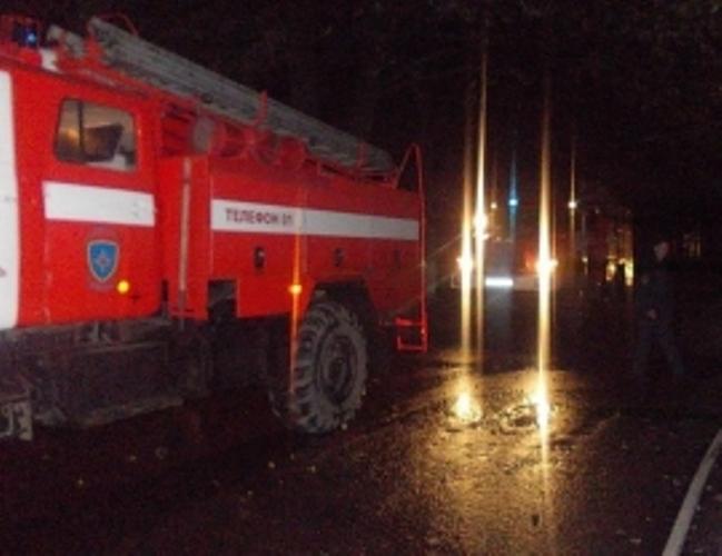 Ночью в Клинцах загорелся жилой дом