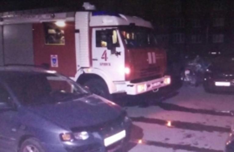 Ночью в Володарском районе Брянска загорелась многоэтажка