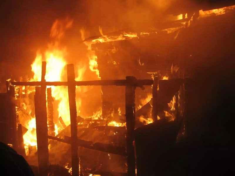 В Погарском районе сгорел жилой дом, есть пострадавшие