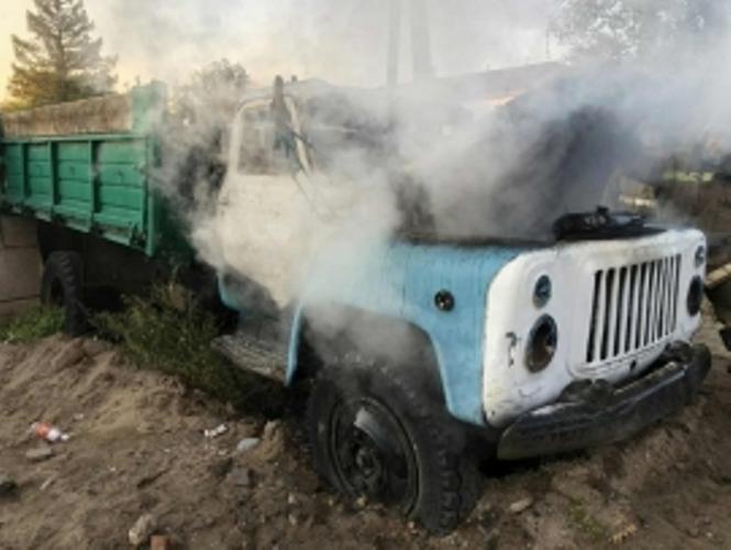 В Брянске сгорел грузовик