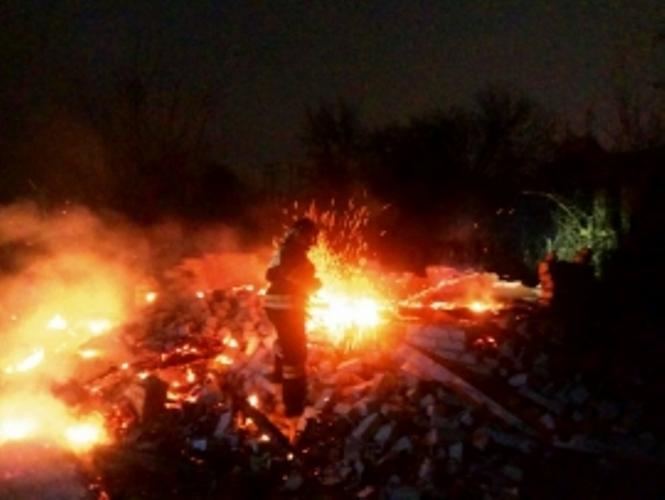 В Брянске на стройке Первомайского моста сгорели вагончики