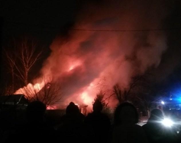 В страшном пожаре в Фокинском районе едва не сгорела 91-летняя женщина