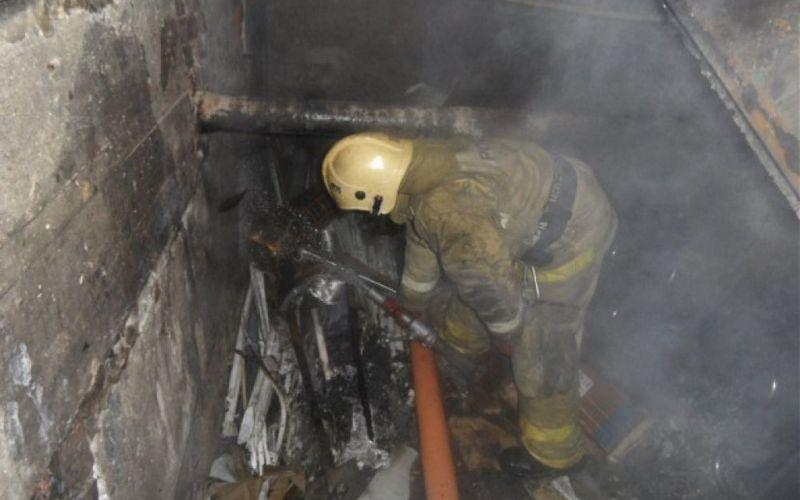 В Фокинском районе Брянска загорелся подвал пятиэтажки