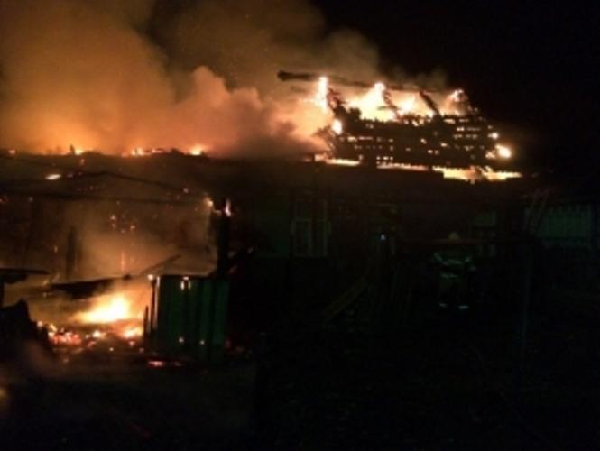 В Брасовском районе сгорели крыша дома и квартира, есть пострадавший