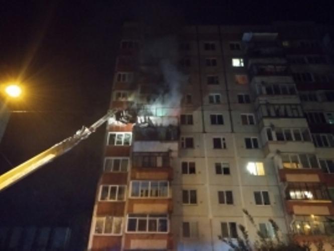 В Брянске из горящей квартиры спасли 10 человек