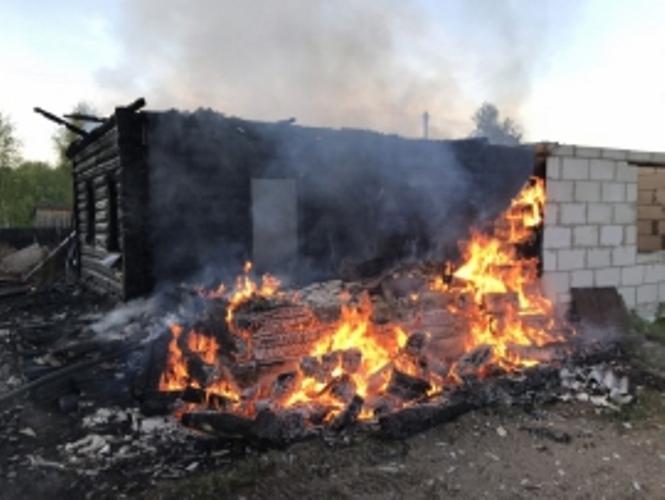 В Навлинском районе сгорел жилой дом