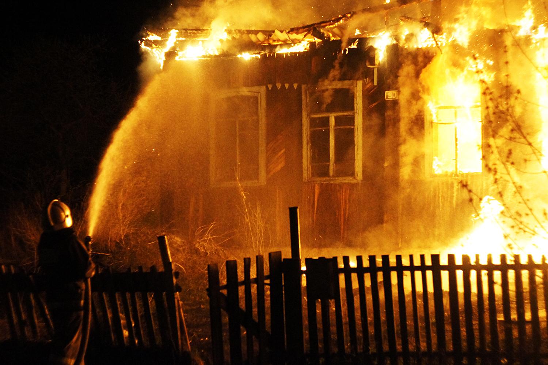 В частном доме под Жуковкой погиб мужчина при пожаре