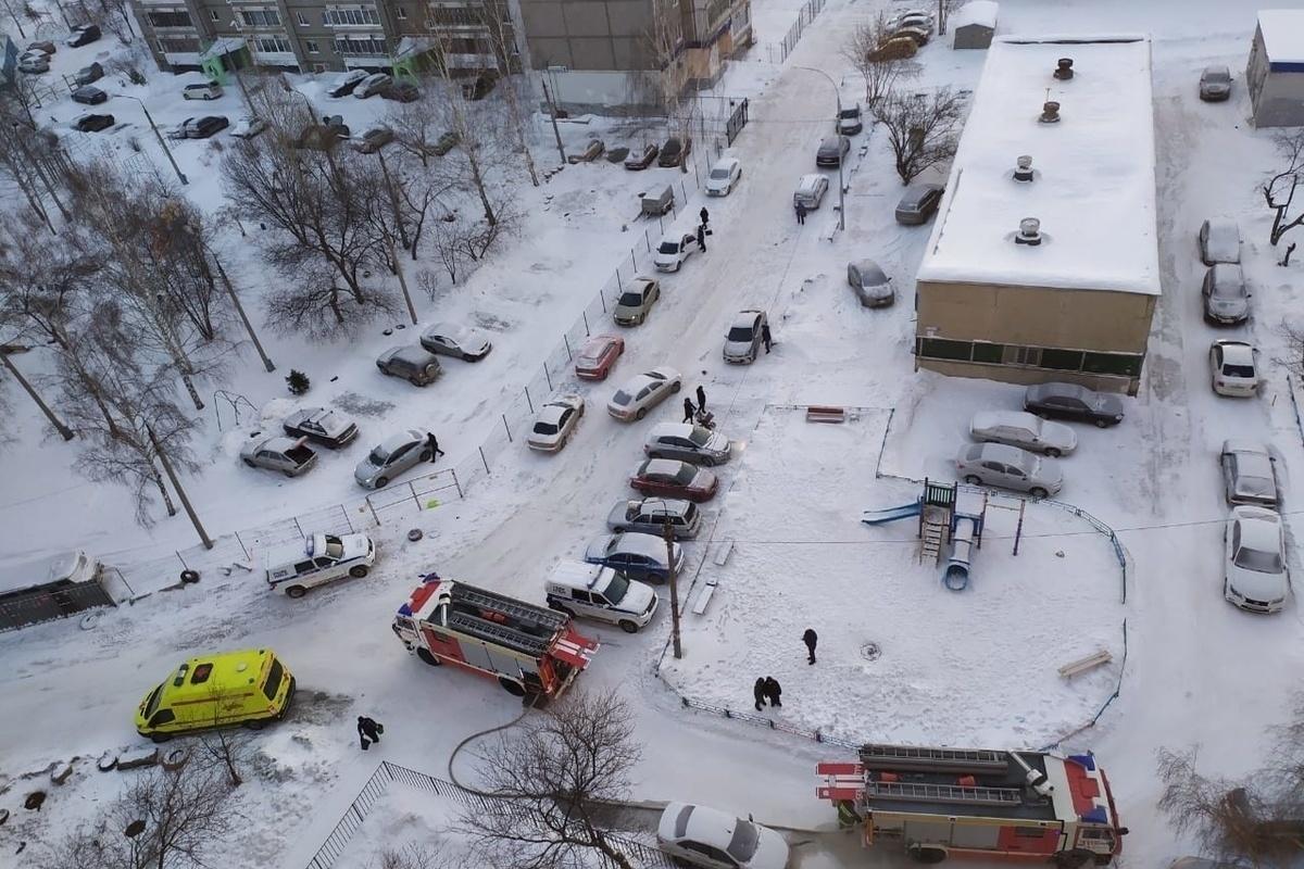Эвакуировали 20 человек при пожаре в центре Брянска