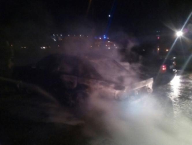 В Фокинском районе Брянска загорелись два автомобиля