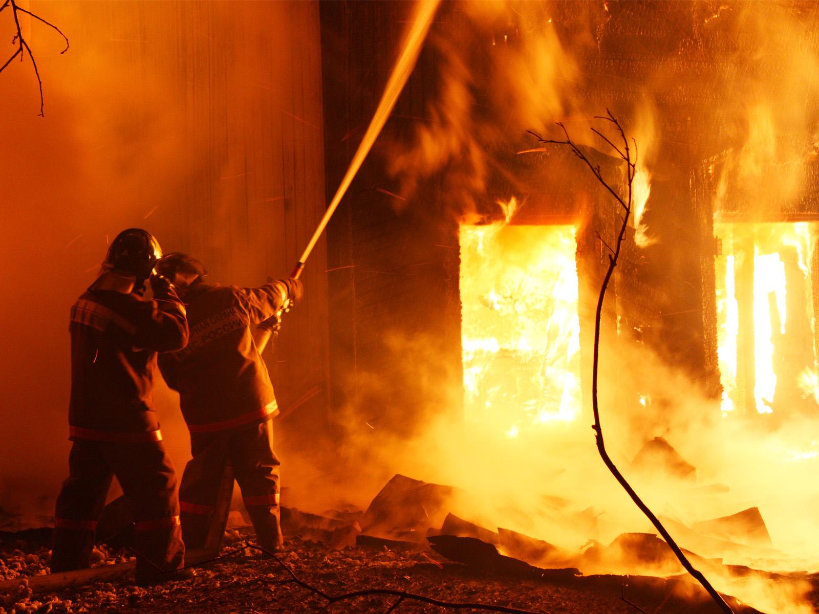 В брянском поселке произошел пожар