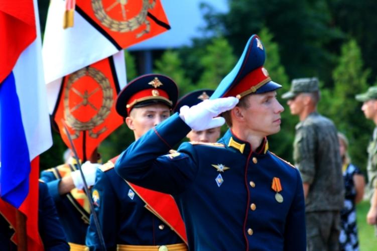 В Клинцах приняли присягу молодые мотострелки