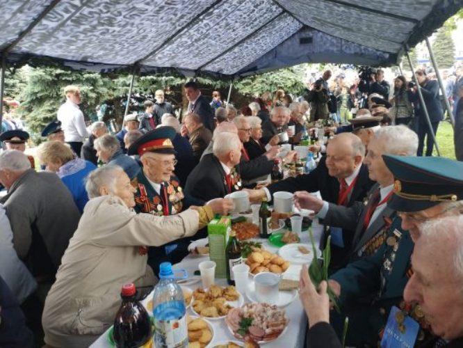 В Брянске на площади Партизан организовали «Солдатский привал»